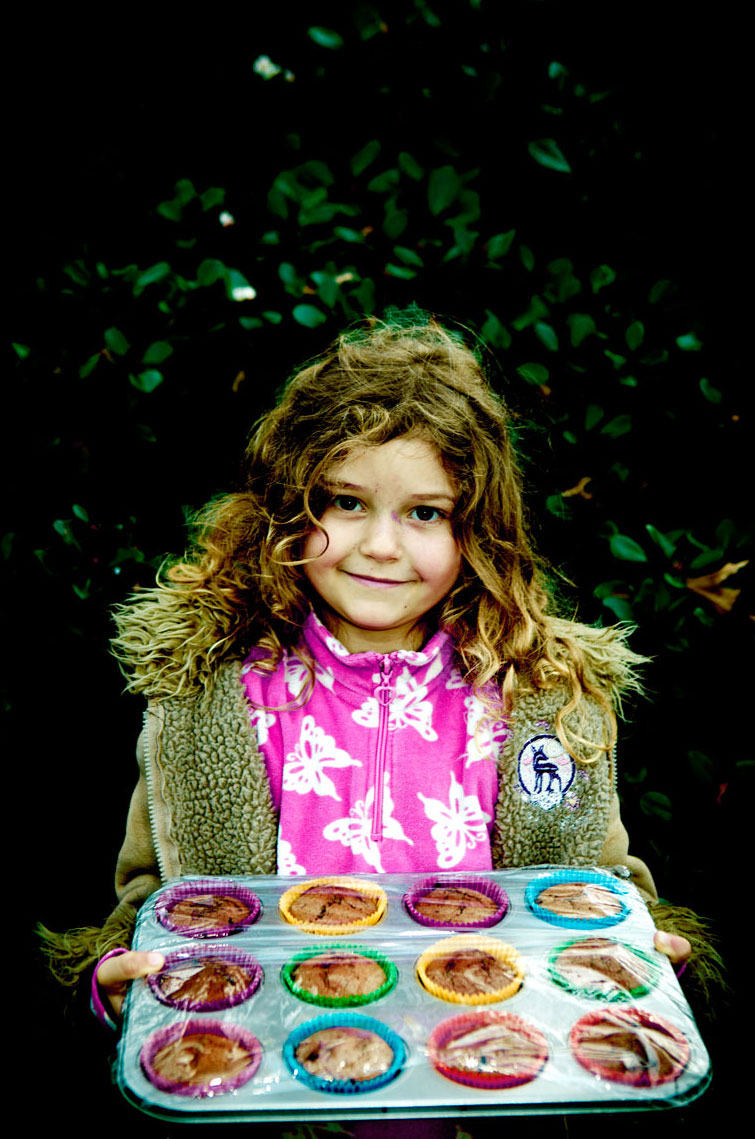 Kid-WEB-cupcake-girl-taka-market-canvas-72